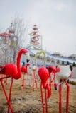 Rood vogelstandbeeld stock afbeeldingen