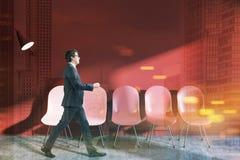 Rood wachtkamerbinnenland, zakenman Stock Afbeeldingen