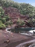Rood Zandstrand op Kaihalulu-Baai van Maui, Hawaï, de V.S. royalty-vrije stock fotografie