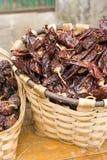 Roodgloeiende Spaanse peperspeper in een mand Royalty-vrije Stock Fotografie