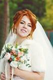 Roodharige mooie bruid Stock Foto