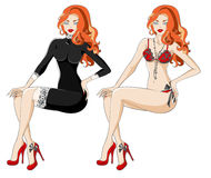 Roodharige vrouw in zwarte kleding met kant en ondergoed Stock Foto's