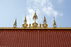 roof det thai tempelet Arkivbild