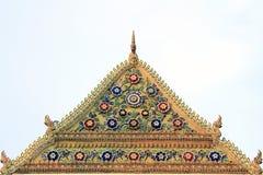 roof det thai tempelet Arkivbilder