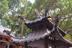 The roof is with dragons. View of Lin Fung Temple Stock Photo
