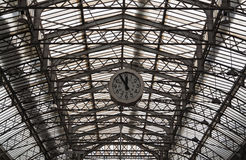 Free Roof Structure Of The Paris Railway Station Gare De L`Est With Clock Stock Photography - 85952002