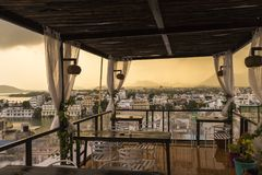 Roof top restaurant with beautiful view to Lake Pichola in the m Royalty Free Stock Photos