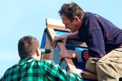 roofers στοκ φωτογραφία με δικαίωμα ελεύθερης χρήσης