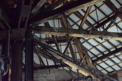 Roofline und alter hölzerner Binder, Bethlehem- Steelmühle Lizenzfreie Stockbilder