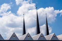 Roofscapes de Bayreuth e torres de igreja fotos de stock