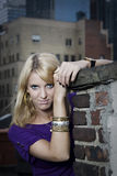 rooftopkvinna Arkivfoto