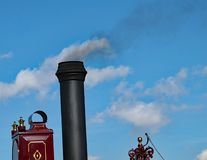 Rook in de wolken royalty-vrije stock afbeeldingen