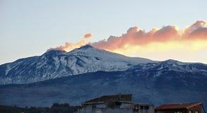 Rook Etna Summit At Twilight, Sicilië royalty-vrije stock foto's