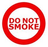 Rook niet Rokend belemmerd teken in rood over witte achtergrond stock fotografie