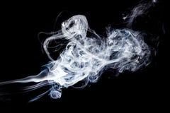 Rook op zwarte achtergrond Stock Afbeelding