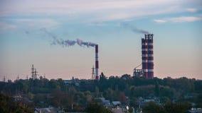 Rook van Pijpen van het Bedrijf in de Stad stock videobeelden