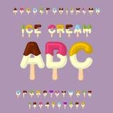 Roomijs ABC Ijslollyalfabet Koude snoepjesdoopvont Voedseltypogra Stock Foto's