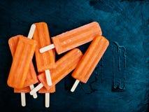 Roomijs/het Oranje Roomijs van het Citroenfruit/Met laag vetgehalte roomijs Stock Afbeeldingen
