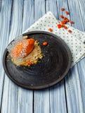Roomijs met bes en sinaasappel royalty-vrije stock foto