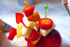 Roomijsaardbei met vruchten Royalty-vrije Stock Fotografie
