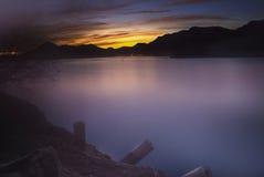 镇静水的Roosevelt湖,亚利桑那,美国 图库摄影