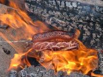 Roosterende Hotdogs royalty-vrije stock afbeeldingen