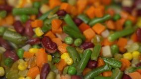 Roosterende smakelijke groenten, hoogte - kwaliteit 4K stock footage