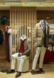 Ropa de la moda del invierno para los hombres en la exhibición Fotografía de archivo