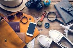 Ropa de los accesorios de vestir del viaje adelante para el viaje fotografía de archivo