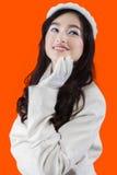 Ropa del invierno de la muchacha que lleva agradable Fotos de archivo libres de regalías