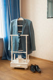 Ropa determinada del novio Anillos de bodas, zapatos, mancuernas y corbata de lazo Imagenes de archivo
