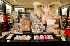Ropa interior en Victorias Secret Fotografía de archivo libre de regalías