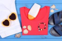 Ropa para la mujer y los accesorios para las vacaciones, tiempo de verano Imágenes de archivo libres de regalías