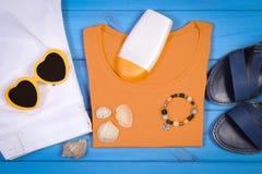 Ropa para la mujer y los accesorios para las vacaciones y el verano Imagen de archivo