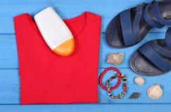Ropa para la mujer y los accesorios para las vacaciones y el verano Imágenes de archivo libres de regalías