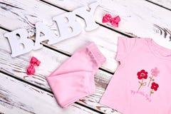 Ropa rosada del verano del color de la niña Fotografía de archivo libre de regalías