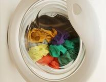 Ropa sucia en lavadora Foto de archivo libre de regalías