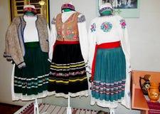 Ropa tradicional de la gente ucraniana foto de archivo libre de regalías