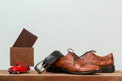 Ropa y accesorios del hombre de negocios del viaje Fotografía de archivo