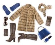 Ropa y accesorios del invierno de la mujer aislados en el fondo blanco Fotografía de archivo libre de regalías