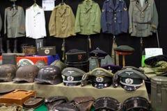 Ropa y accesorios militares Imágenes de archivo libres de regalías
