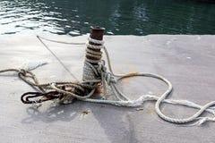 Rope, длина сильного шнура сделанная путем переплетать совместно стренги естественных волокон как пенька Стоковые Фотографии RF