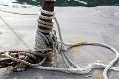 Rope, длина сильного шнура сделанная путем переплетать совместно стренги естественных волокон как пенька Стоковая Фотография RF