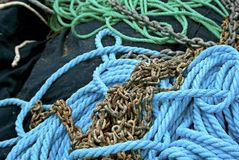 Rope and chain Royalty Free Stock Photography