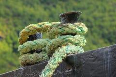 Rope für das Verankern eines Bootes Stockfoto