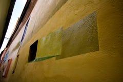 Rope gatan från Brasov Rumänien efter renovering med målning för väggen 3D royaltyfria foton