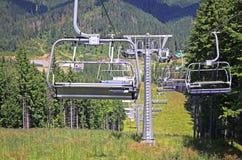 Ropeway на горе лыжного курорта Bukovel, Украины Стоковые Фотографии RF
