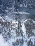 Ropeway ad alta velocità fra la montagna Vogel ed il lago Bohinj nell'inverno, parco nazionale di Triglav, alpi slovene Fotografie Stock Libere da Diritti