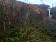 Ropeway ao monte no outono Fotos de Stock