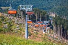 Ropeway arancio in Tatras basso, Slovacchia Fotografia Stock